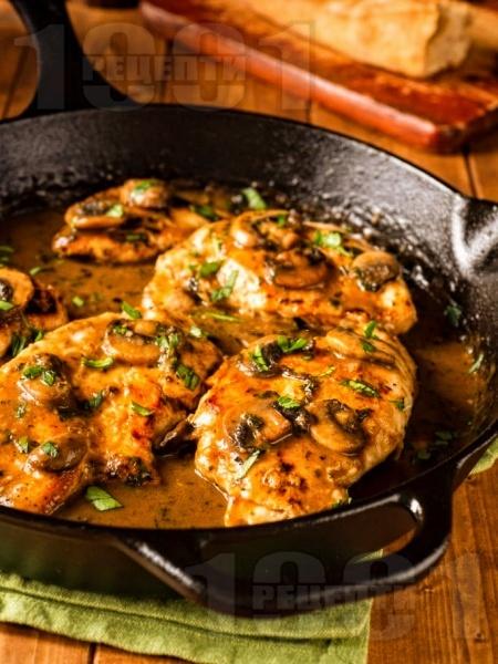 Кето пилешки гърди с вино марсала, гъби и масло - снимка на рецептата